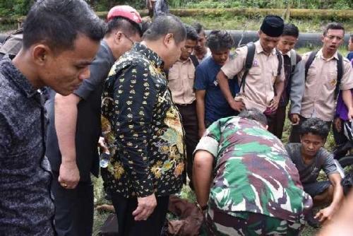 Jenguk Korban Laka Lantas di Jalan Lintas Duri, Bupati Amril Ucapkan Bela Sungkawa