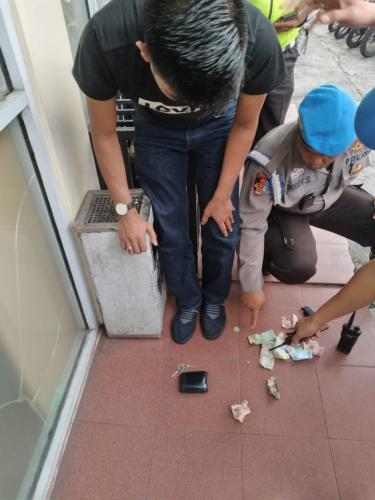 Ngaku-ngaku Intel Polres Bengkalis saat Ditangkap Polantas, Pemuda di Pekanbaru Ini Ternyata Sembunyikan Setengah Butir Ekstasi di Kantongnya