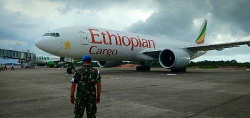 Disergap TNI AU, Pesawat Ethiopian Cargo Diturunkan Secara Paksa
