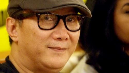 Aktor dan Disainer Robby Tumewu Tutup Usia