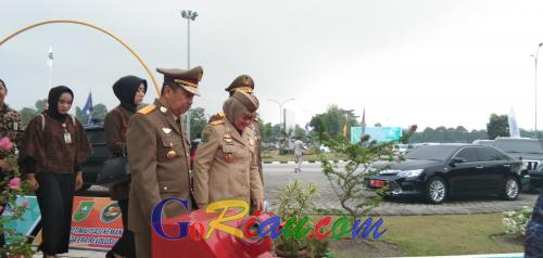 Menaker Ida Fauziyah Pimpin Upacara K3 Nasional Tahun 2020 di Riau