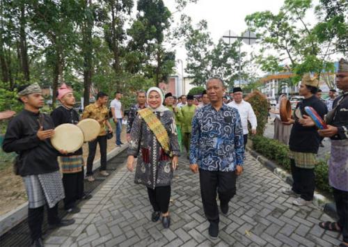 Menteri Ketenagakerjaan RI Ida Fauziah Jadi Keynote Speaker di Seminar Nasional IKA UIR