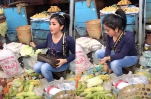 Cantik Mirip Syahrini, Pedagang Sayur Mendadak Viral, Ini Fotonya