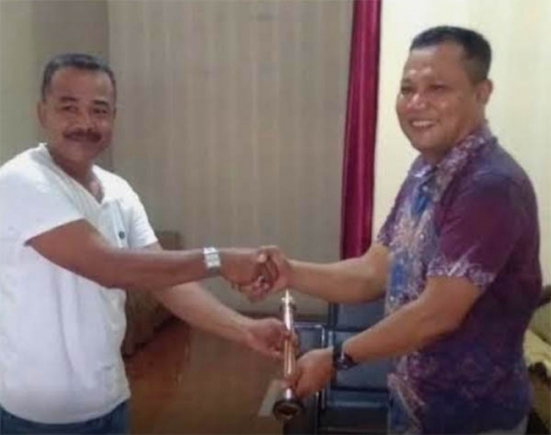 Pasir Limau Kapas Bersyukur Dapat Bantuan Pompa Air dari Polda Riau