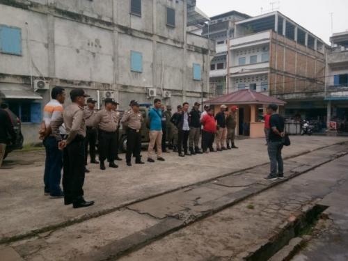 Masa Tenang, Ribuan APK Pemilu Dicopot Bawaslu Meranti bersama Satpol PP dan Kepolisian