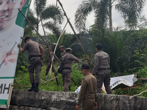 Hari Ini Satpol PP Riau Kerahkan 150 Personil Tertibkan APK Pemilu 2019 di Kota Pekanbaru