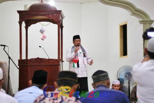Launching Gemar Siak Berzakat VI di Kandis, Alfedri Langsung Jadi Amil Zakat
