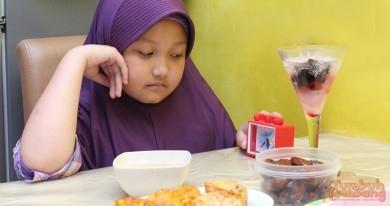 Walaupun Kebanyakan Muslim, Kepala Sekolah Ini Menyarankan Siswanya Tak Berpuasa, Katanya Harus Puber Dulu