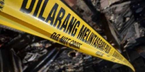 Kendaraan Ringsek, Pemotor Terkapar usai Tabrak Mobil Berhenti di Jalan Jenderal Sudirman Pekanbaru