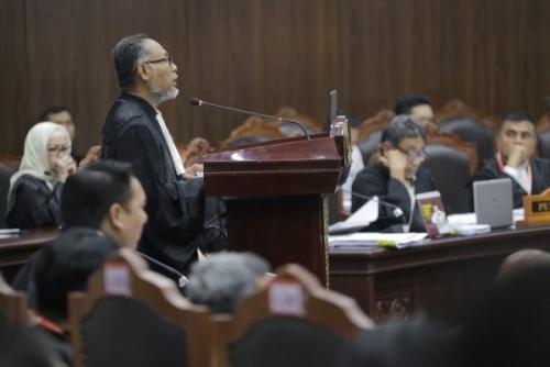 Tim Hukum Prabowo-Sandi Sebut Suara 01 Digelembungkan Lebih 20 Juta