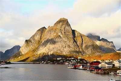 Lofoten, Kota Kecil di Lingkaran Arctic yang Indah