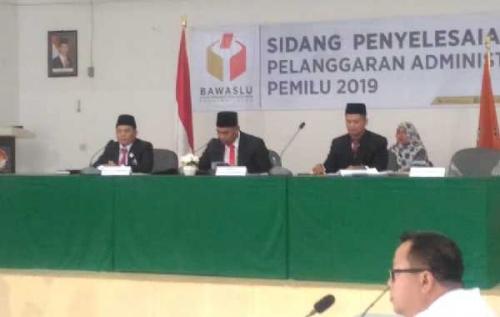 Gugat KPU, Bawaslu Riau Gelar Sidang Pelanggaran Administrasi Pemilu yang Dilaporkan Syintia Dewi Ananta
