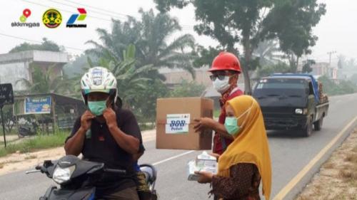 Aksi BOB Peduli, Ribuan Masker Gratis Dibagikan ke Masyarakat yang Terpapar Asap