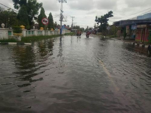Banjir Landa Kota Bagansiapiapi Usai Hujan Deras