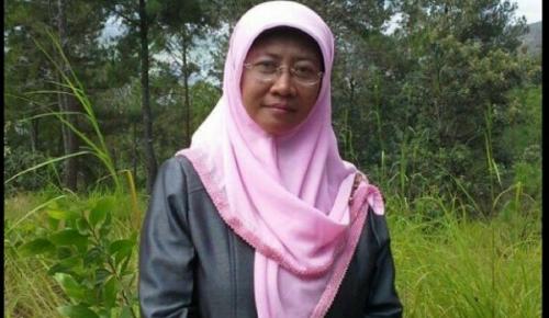 Terbukti Mesum di Hotel, Ketua Pengadilan Agama Padang Panjang Elvia Darwati Dipecat