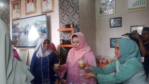 Pengunjung Berbondong-bondong Kunjungi Stand Pemkab Siak di MTQ Riau XXXVII, Mayoritas Membeli Tanjak