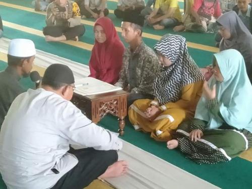 Ucapkan Kalimat Syahadat, Ayah bersama Tiga Putrinya Resmi Masuk Islam