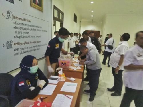 Jika Tak Datang Tes Urin, THL Pemprov Riau Bakal Langsung Dipecat