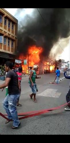 Kebakaran di Jalan Jendral Sudirman Tembilahan, 11 Unit Asrama Polisi Ludes
