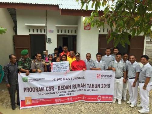 PT Ivo Mas Tunggal dan Relawan Tzu Chi Perwakilan Sinar Mas Laksanakan Program Bedah Rumah