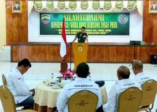Danrem 031 Wirabima Gandeng Insan Pers di Riau Perangi Hoax