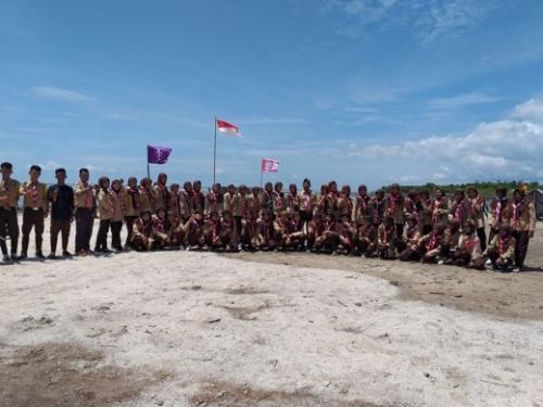 Peringati Hari Bapak Pramuka, SMK Ankasa Inhil Hijaukan Pesisir Pantai