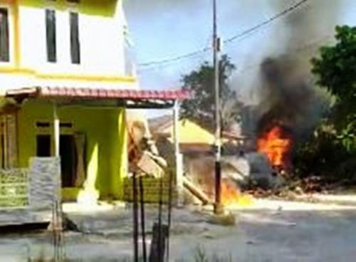 Pesawat yang Jatuh di Pemukiman Warga di Siak Hulu Diduga Milik TNI