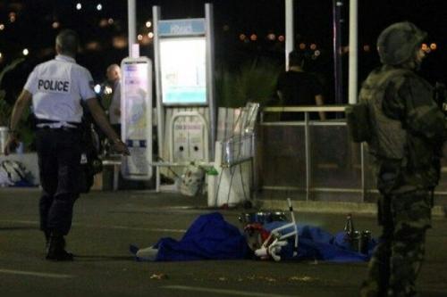 Prancis Kembali Dilanda Horor, Truk Besar Berkecepatan Tinggi Ditabrakkan ke Kerumunan Massa, 75 Tewas, Mayat Bergelimpangan