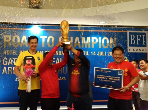 National Best Dealer 2018 Dobrak Semangat Sobat BFI Finance Tiap Semester