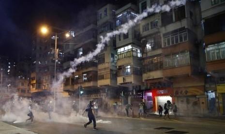 China Parkirkan 500 Kendaraan Militer di Seberang Hong Kong