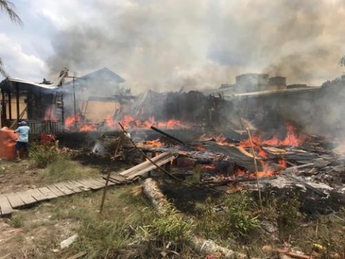 Dilalap Si Jago Merah, 3 Rumah di Guntung Inhil Ludes Terbakar