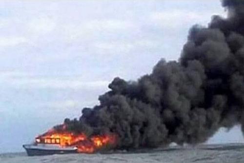 KM Fungka Permata V Terbakar dan Tenggelam, 10 Penumpang Tewas, 20 Belum Ditemukan