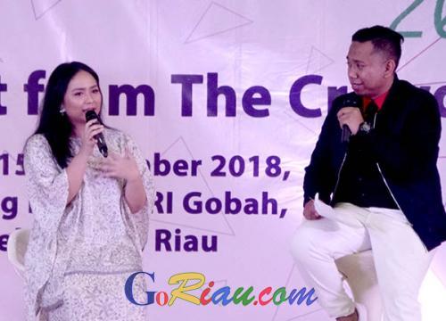 Hadir di Student Vaganza 2018, Gita Gutawa Berbagi Pengalaman Berkarir Tanpa Mengganggu Pendidikan