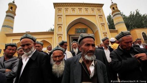 Abaikan Permintaan China, Malaysia Bebaskan 11 Muslim Uighur dan Terbangkan ke Turki