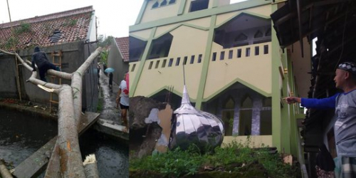 Kubah Masjid Terbang dan Jatuh di Pemakaman, Terjadi di Bogor Sore Tadi