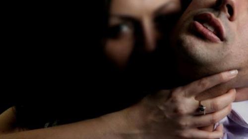 Mahasiswi Turki di Bali Gagal Diperkosa karena Gigit . . . .