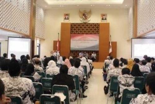 Peringati Hari PGRI, Walikota Pekanbaru Minta Guru Harus Punya Mindset