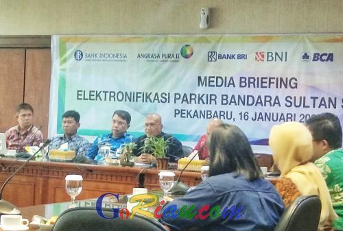 Elektronifikasi Parkir Bandara SSK II Pekanbaru Berpotensi Tingkatkan Transaksi Nontunai di Riau Mencapai Rp12 Miliar per Tahun