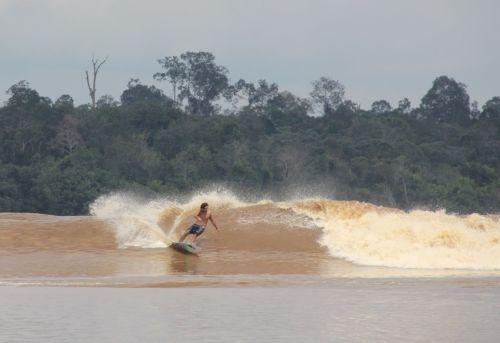 Gelombang Bono di Sungai Kampar adalah Keajaiban dari Indonesia