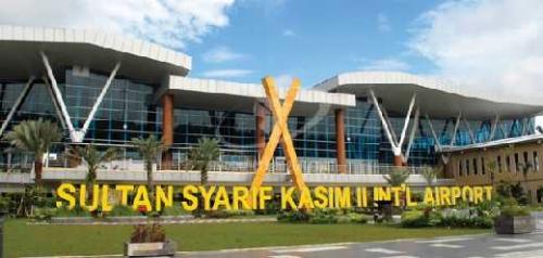 Penumpang Sempat Dievakuasi, Pria Berusia 71 Tahun Diamankan di Bandara SSK II Pekanbaru Setelah Bercanda Soal Bom ke Pramugari
