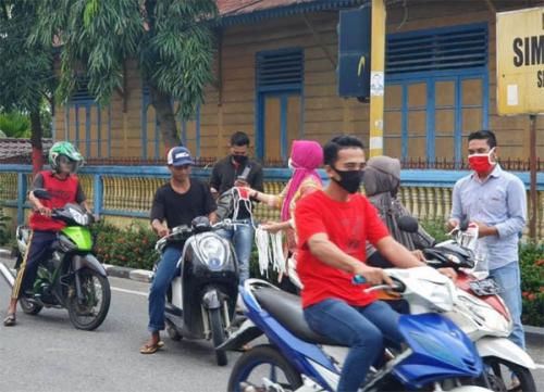 Di Bagan Timur, Warga yang Pulang Kampung Harus Jalani Rapid Test dan Dikasih Masker