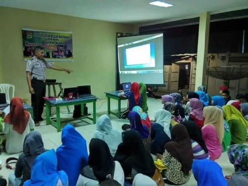 Selain Mengajar Baca Tulis Gratis, Ini Ketulusan Lain Bripka Suryawan Sang Polisi Baik Hati Asal Pedalaman Riau