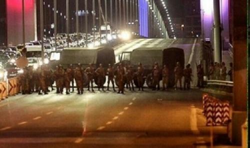 Militer Turki Tembaki Warga Sipil dan Polisi Pendukung Presiden Erdogan
