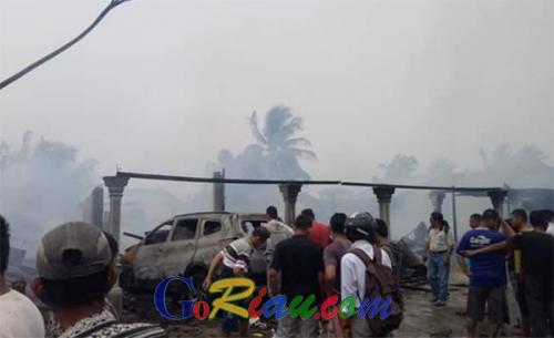 2 Ruko, 1 Rumah dan 1 Toyota Rush Terbakar, Kerugian Miliaran Rupiah