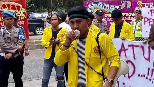 Presma Uniks Minta Presiden Jokowi Tindak Tegas Perusahaan Pembakar Lahan