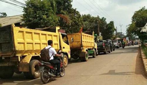 Tak Punya Ongkos Pulang ke Rumah, Siswa MTs Numpang Truk Tanah, Tergelincir Saat Naik dan Tergilas Ban