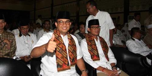 Sebelum ke Istana, Anies-Sandi Doa Bersama di Masjid Sunda Kelapa