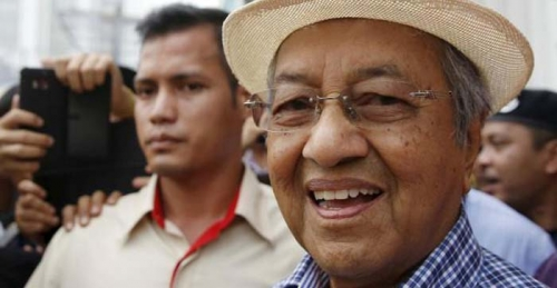 Mahathir Mohamad Serukan Warga Malaysia Ikut Demo Besar-besaran Desak PM Najib Mundur