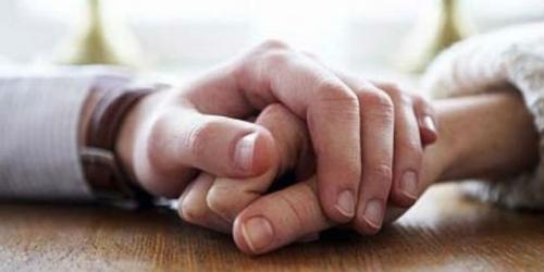 Selalu Pejamkan Mata Saat Berhubungan, Wanita Ini Digugat Cerai Suaminya