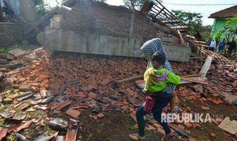 Akibat Gempa 6,9 SR di Jawa, 3 Tewas di Tiga Provinsi